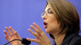 Nαόμι Κλάιν: Το δόγμα το σοκ εφαρμόζεται στην Ελλάδα
